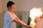 """""""Vízzel tüzet – tűzzel vizet"""" - egy varázslatos kémiaórán"""